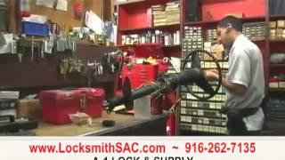 http://excellentlocksmiths.com.au/wp-content/uploads/2020/01/locksmith-services-mt-eliza-1.jpg