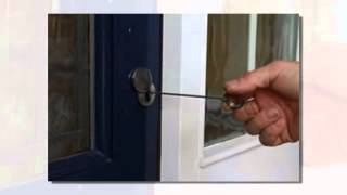 http://excellentlocksmiths.com.au/wp-content/uploads/2020/09/mobile-locksmith-after-hours-cranbourne-west-1.jpg